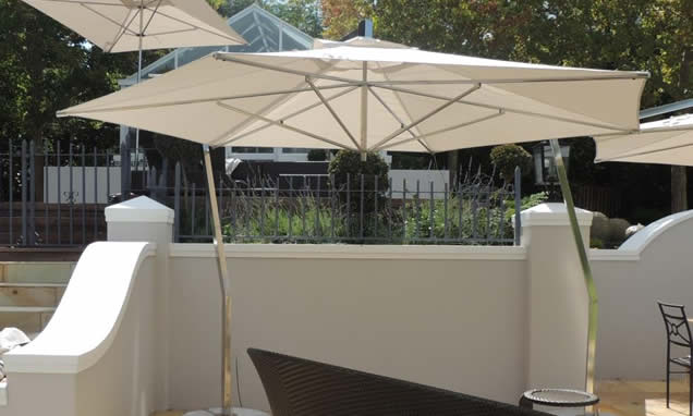 Cantilever arm umbrella